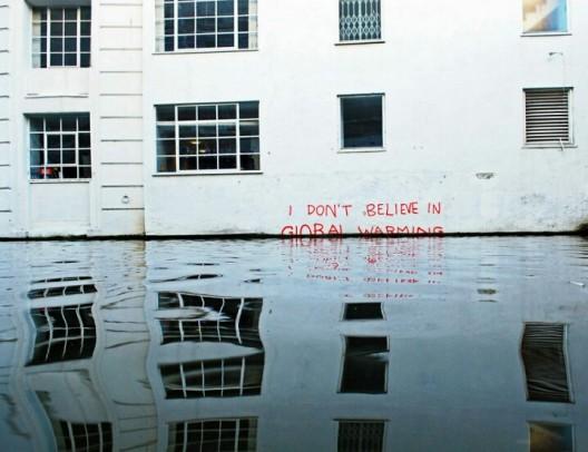 no creo en el calentamiento global por banksy