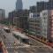 Corredor Bus Rapid Transit en l avenida Duchang en Yichang, China.