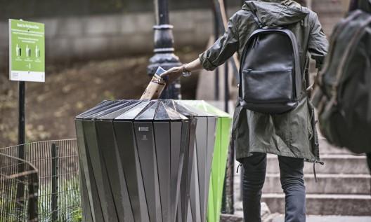 Sistema de Reciclaje y Conservación del Central Park diseñado por Landor Associates. Imagen Cortesía de Landscape Forms