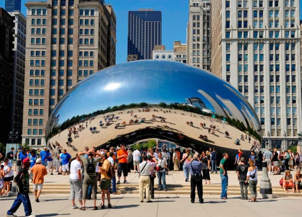 """Escultura """"Cloud Gate"""" de Anish Kapoor en el Millennium Park de Chicago. Imagen © Urban Land Institute"""