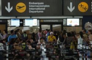 paro aeropuerto santiago