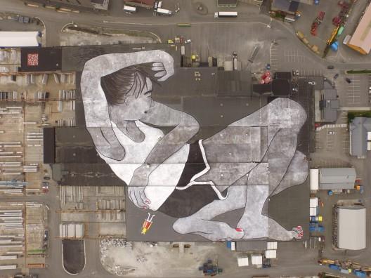 """Mural """"Lilith and Olaf"""" de Ella & Pitr."""
