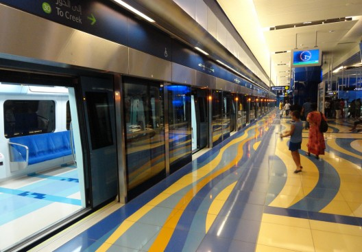 Metro de Dubai, Emiratos Árabes Unidos. © travelourplanet.com, vía Flickr.