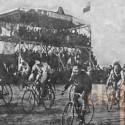 Velodromo El Condor ubicado en la calle San Pablo comuna de Quinta Normal. Fotografia de 1911. Cortesia Historia del Ciclismo Chileno