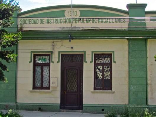 Edificio Sociedad de Instrucción Popular de Magallanes. © Daniel Wilk, vía Panramio