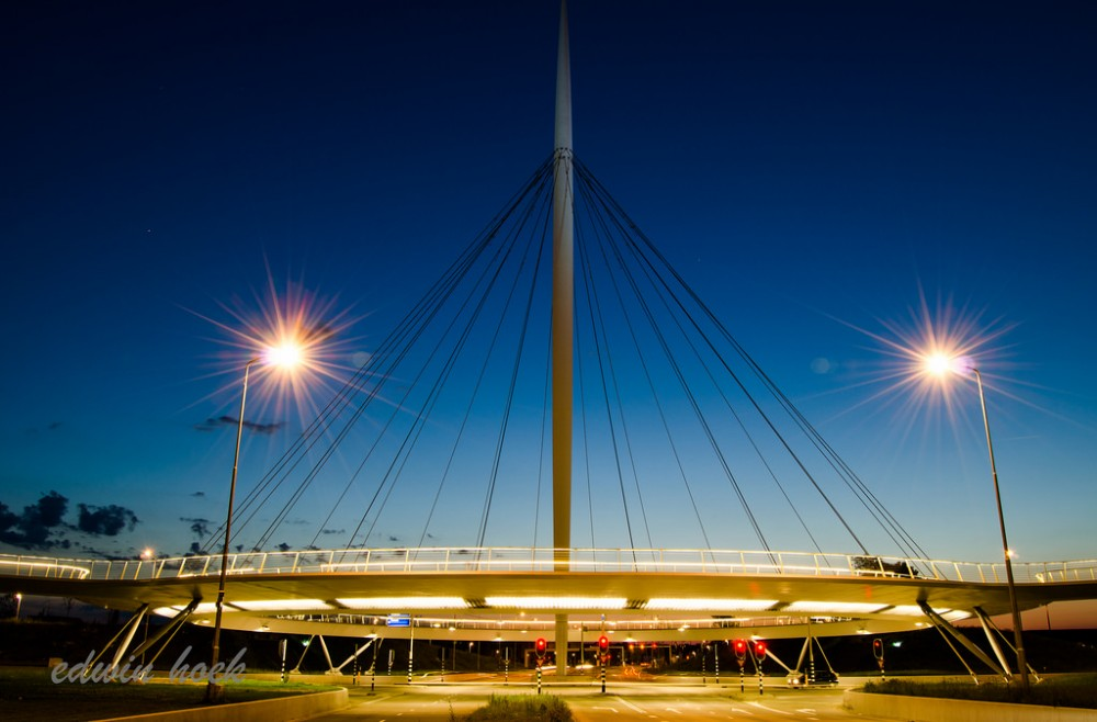 Hovenring en Eindhoven, Paises Bajos. © edwin.hoek, vía Flickr.