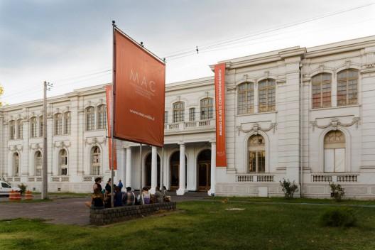 Museo de Arte Contemporáneo en Quinta Normal. Foto vía Facebook MAC / Museo de Arte Contemporáneo.