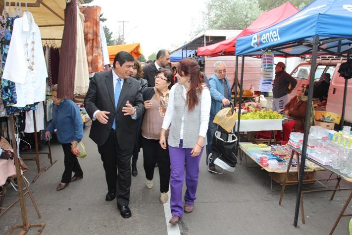 """Lanzamiento ruta """"Ferias Libres Históricas de la ciudad de Santiago"""". Cortesía Ministerio de Bienes Nacionales."""