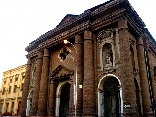 Parroquia San Isidro Labrador. © Ariel Ogaz, vía Wikimedia Commons.
