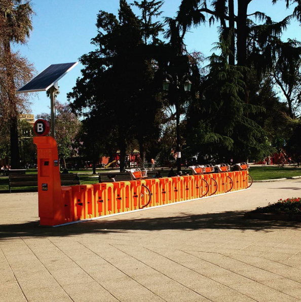 Estación de bicicletas públicas en Plaza Brasil. Cortesía Barrio Brasil en Instagram