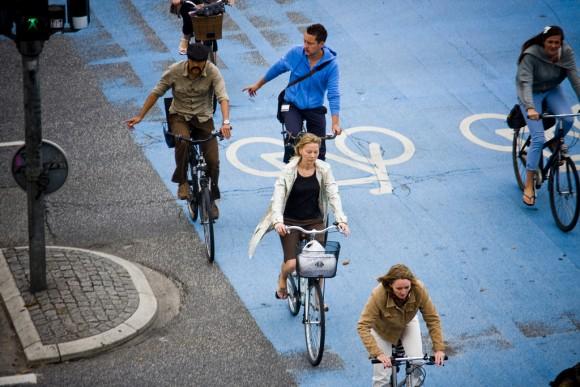 Copenhague, Dinamarca. Foto por Mikael Colville- Andersen, vía Flickr.
