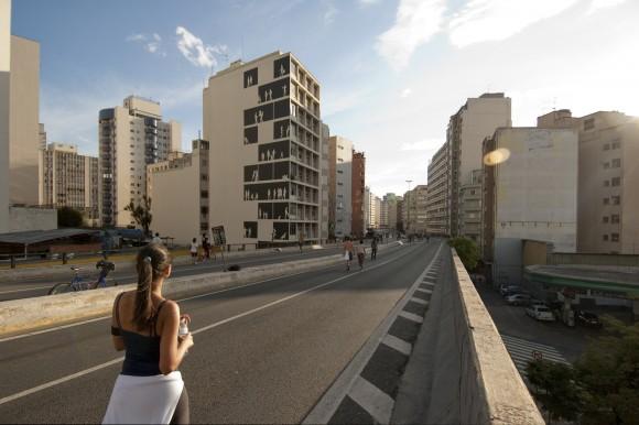 """""""Empena Viva"""" por Nitsche Arquitectos. Imagen vía Archdaily Brasil."""