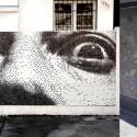 Antes y después del mural de Salvador Dalí realizado por Pixel Art en Barrio Italia, Santiago.Cortesía Pixel Art