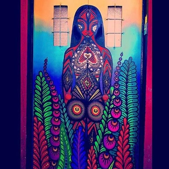 /srv/www/purb/releases/20151110151437/code/wp content/uploads/2015/11/mural newen de mujer en calle seminario santiago cortesia juanita perez