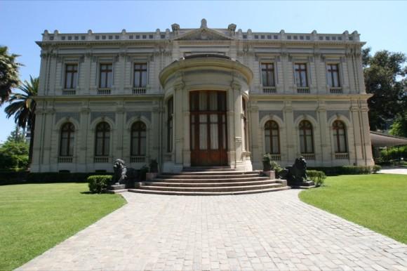 Palacio Cousiño en Barrio República, Santiago. © littlechay, vía Flickr.