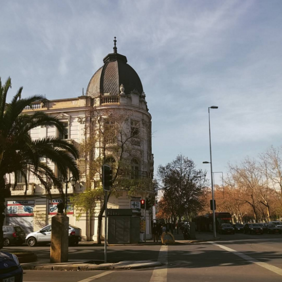 Palacio Elguín. Alameda esquina Av. Brasil. ortesía Barrio Brasil en Instagram
