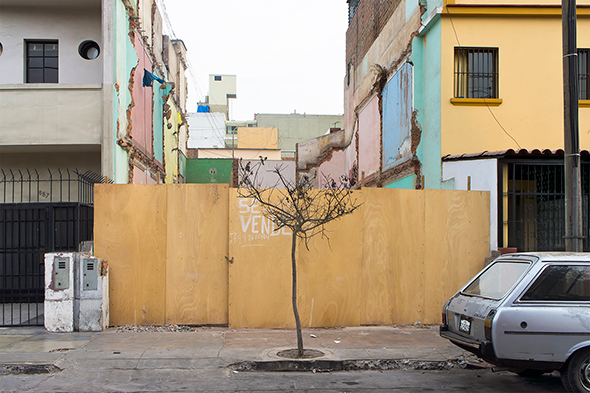 "Serie ""Se vende - No se vende"". Image © Jorge Heredia"