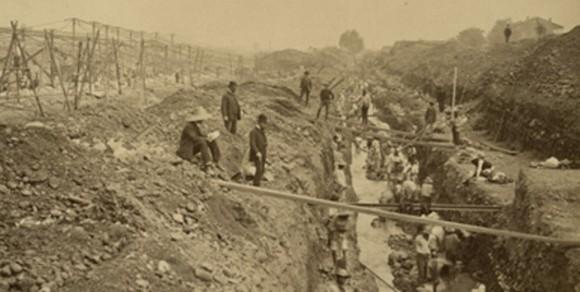 Canalización del río Mapocho. Fuente: Colección fotográfica Museo Histórico Nacional