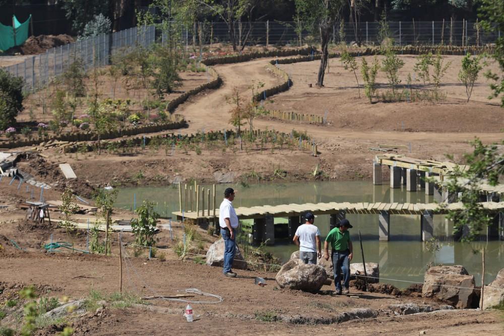 Construcción de la laguna del Parque Pueblito Las Vizcachas (Fotografía tomada en noviembre de 2015). © Municipalidad de Puente Alto, vía Flickr