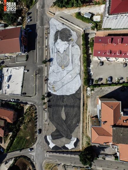 """""""Eros"""" por Ella & Pitr. (Imagen vía Urban Areas)."""
