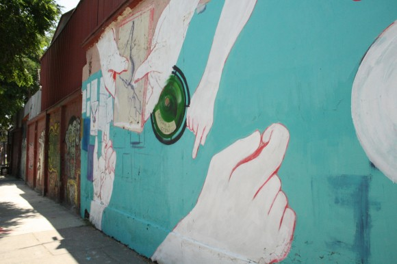 """""""Modo Comercial"""". Calle Eduardo Matte."""