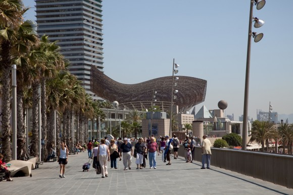 Paseo Marítimo, Barcelona. © realmcflier, vía Flickr.