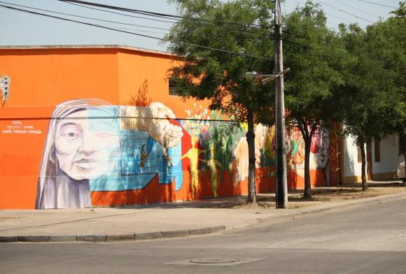 """""""Presente y Futuro"""". Intersección de calle Tocornal con Biobío."""