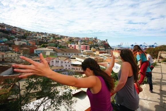 Graffitis en Movimiento, Escenalborde. Fuente imagen: Festival de las Artes Valparaíso 2016