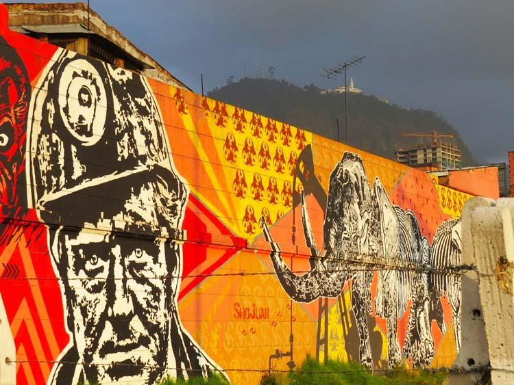 15.-Por-encima-de-este-graffiti-se-puede-ver-Monserrate-en-un-dia-muy-nublado.