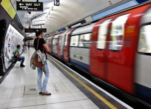 Metro de Londres, Reino Unido. © Claire Brownlow, vía Flickr.