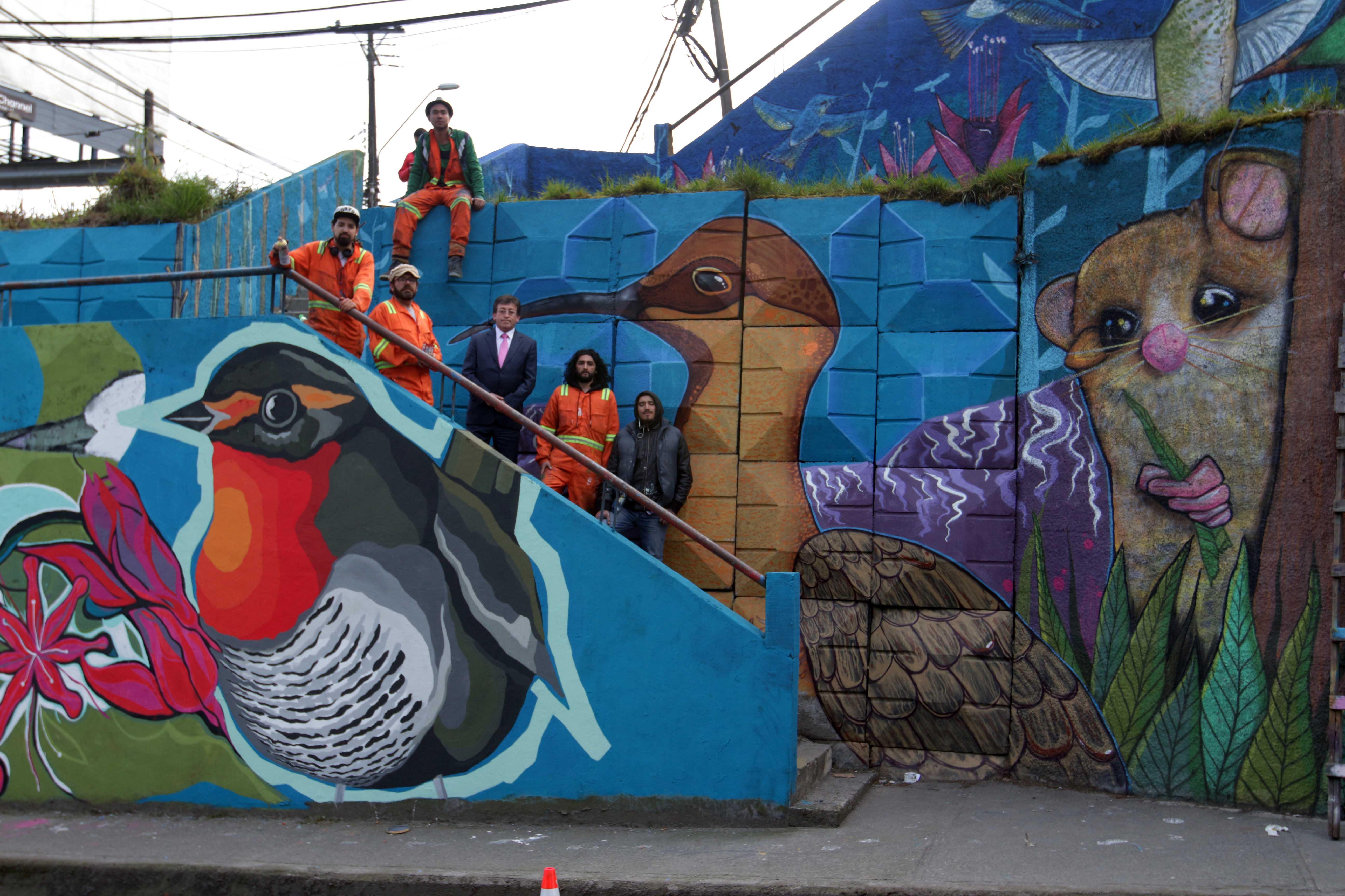 Nuevo mural colectivo de avenida salvador allende puerto for Definicion de pintura mural
