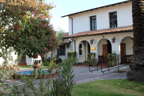 Casona ubicada en Álvarez de Toledo Nº 1020, San Miguel, Santiago. © César A. Lara; cortesia Patrimonio Santiago Sur.