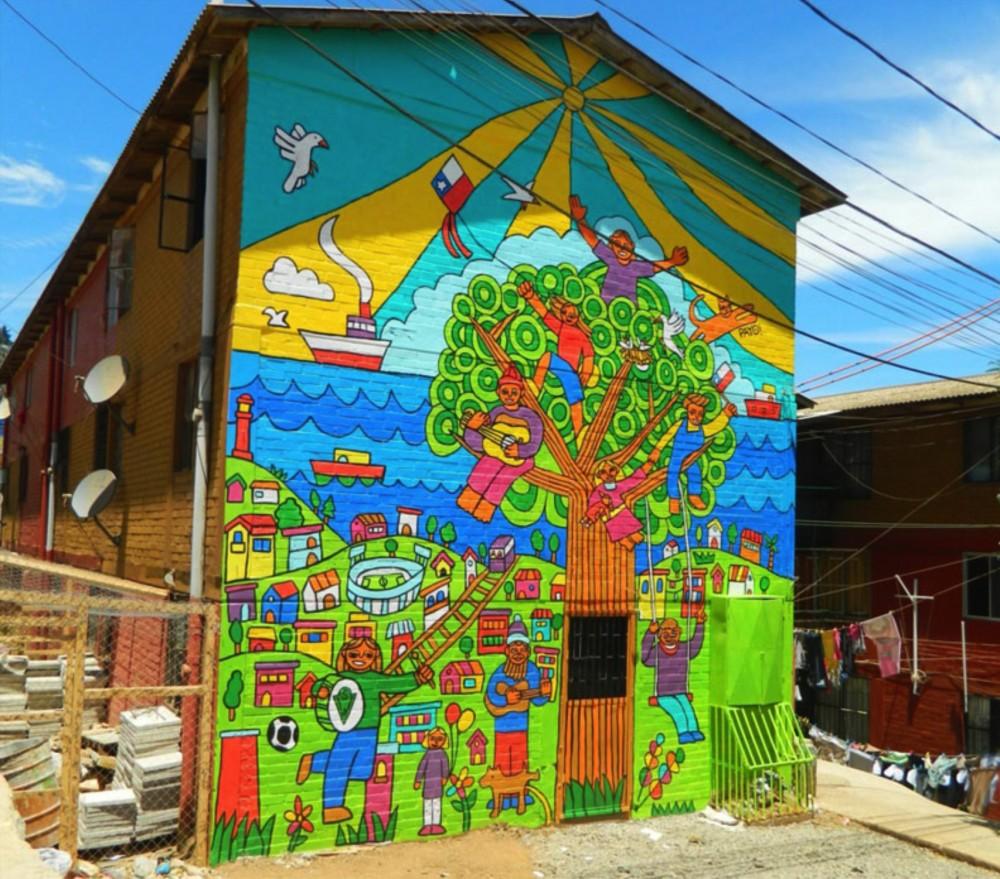 Mural plaza de la infancia museo a cielo abierto for Carpenter papel mural santiago chile