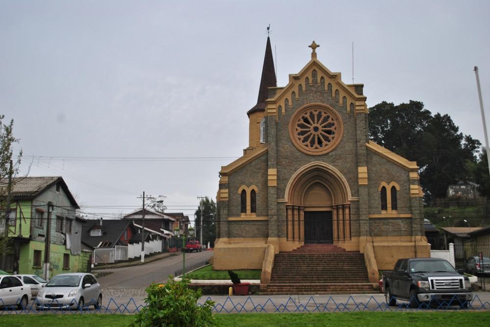 Parroquia San Matías Apóstol, Lota. ©Francisco Sepúlveda, via Flickr.