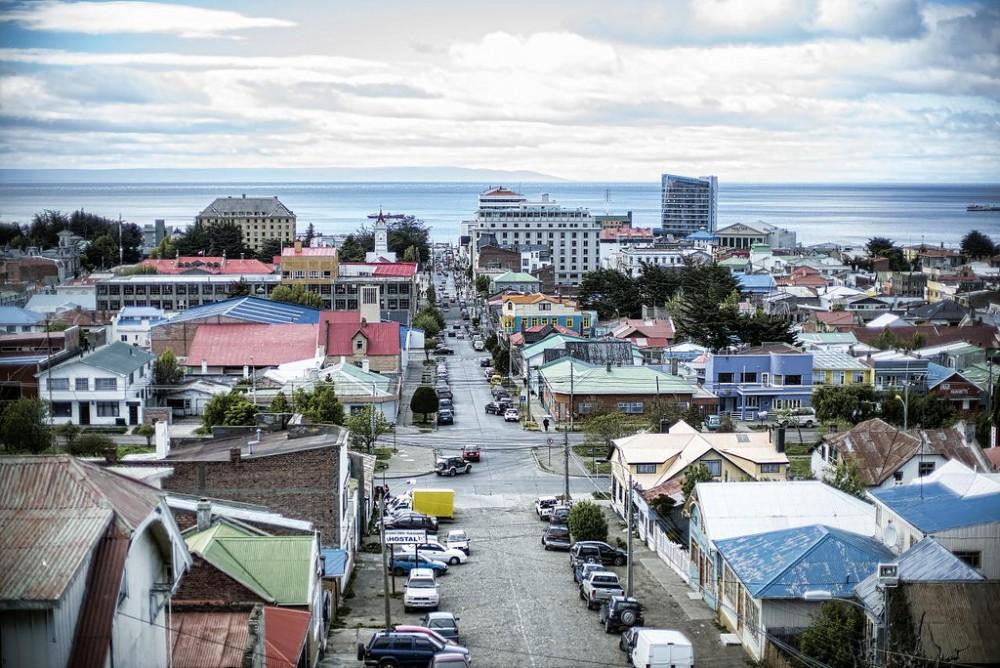 Vista del centro de Punta Arenas desde el Cerro de la Cruz © Christopher.Michel. vía Flickr.