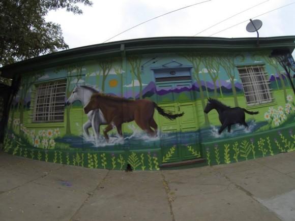 Mural en Subida Ecuador, Valparaíso. Anis.