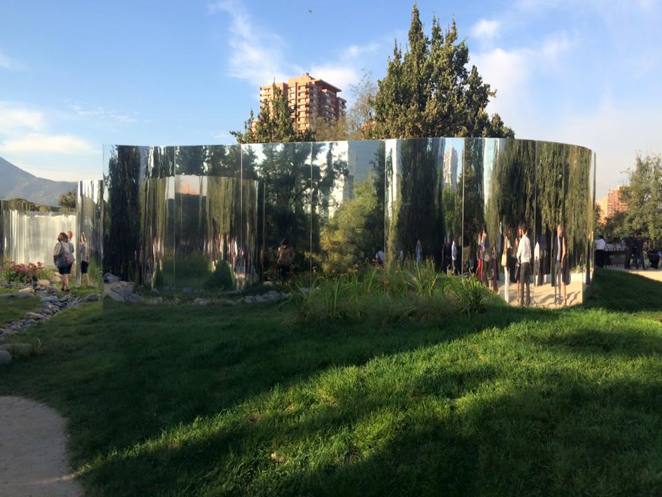 """""""Tu Reflexión"""", por Nicolás Urzúa y Guillermo Hevia García. Fuente: Extensión Arquitectura UC"""
