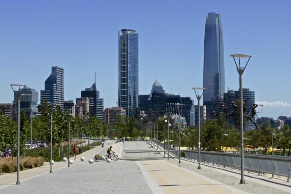 Parque Bicentenario en Vitacura, Santiago. © alobos Life, vía Flickr.