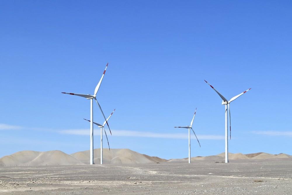 Parque Eólico Valle de los Vientos, Región de Antofagasta, Chile. Flickr Usuario alobos Life. Licencia CC BY-NC-ND 2.0