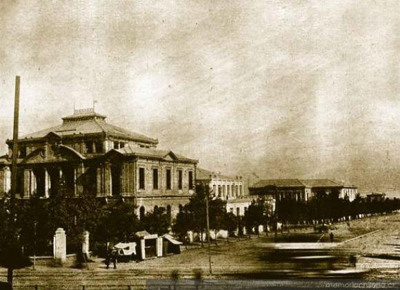Vista panorámica del Instituto de Higiene hacia 1910. Colección Biblioteca Nacional de Chile. Disponible para descarga en Memoria Chilena.