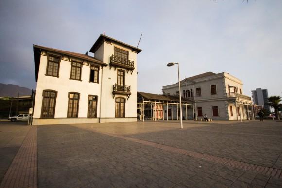 Ex Edificio de Resguardo Marítimo (izq.) y Gobernación Marítima (der.) © Plataforma Urbana