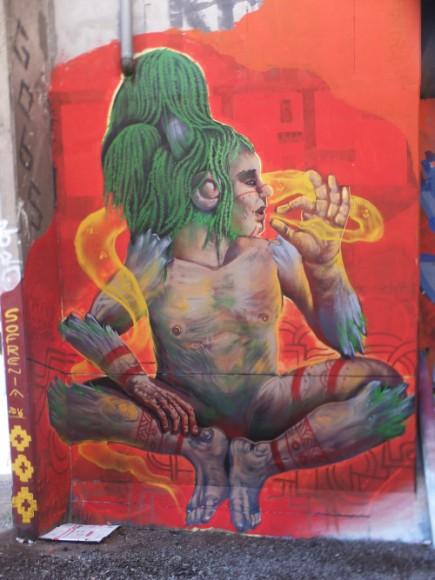 """Mural """"Mabull Sauce"""". En las afueras de la Estación Macul. Cortesía de Sofrenia"""