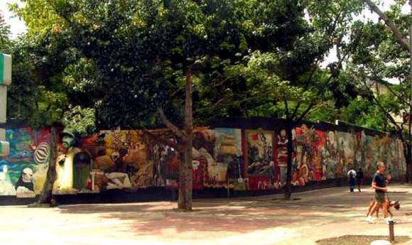 Mural Venezuela, una memoria viva. En Caracas, Venezuela © Cortesía de Ekeko