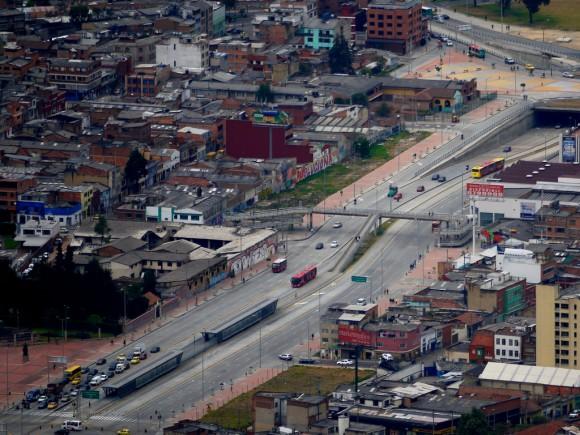 Transmilenio en Bogotá, Colombia. © Flickr Usuario ansoncfit. Licencia CC BY-NC 2.0