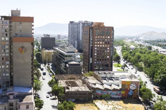 """Mural """"Volantín Pillao"""", junto a Colectivo Cenit. © Plataforma Urbana"""