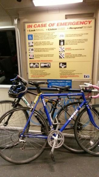 Espacio prioritario para bicicletas en el BART
