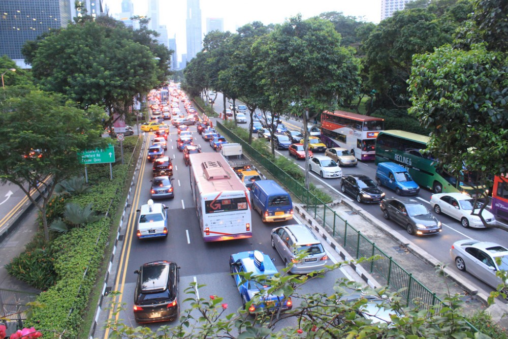 Congestión vial en Ciudad de Singapur. © Flickr Usuario Lynac. Licencia CC BY-NC 2.0
