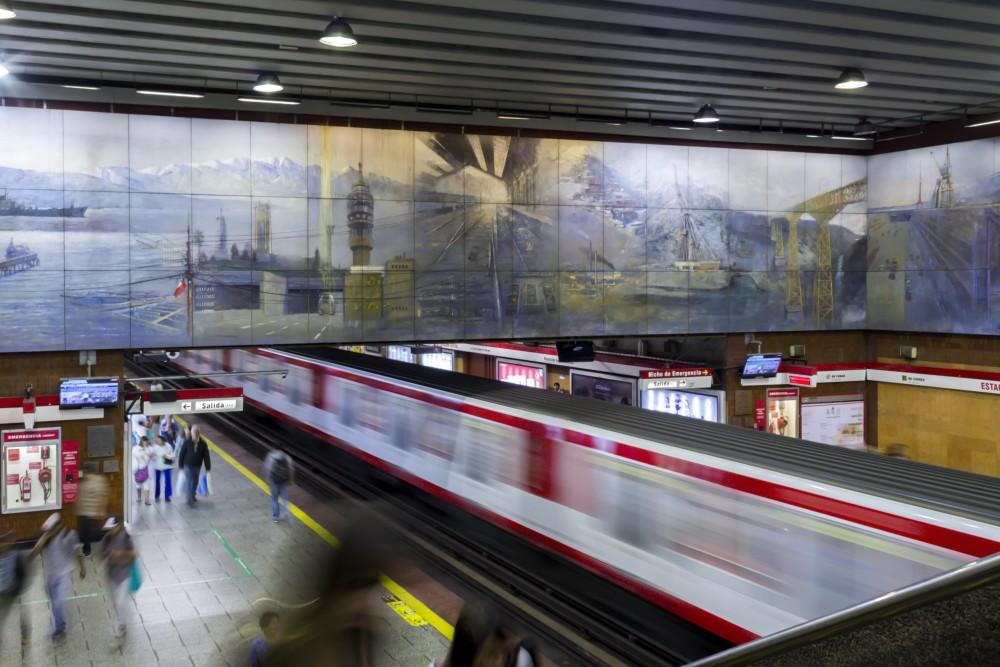 """""""Mural de la ingeniería chilena"""" de Roberto Geisse. © Plataforma Urbana"""