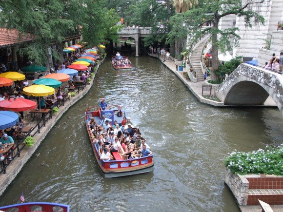 Riverwalk San Antonio. © Flickr Usuario: Tim (Timothy) Pearce Licencia: CC BY 2.0