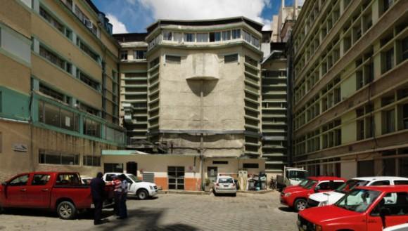 Parqueadero Municipal / Antes. Image Cortesía de Ecosistema Urbano